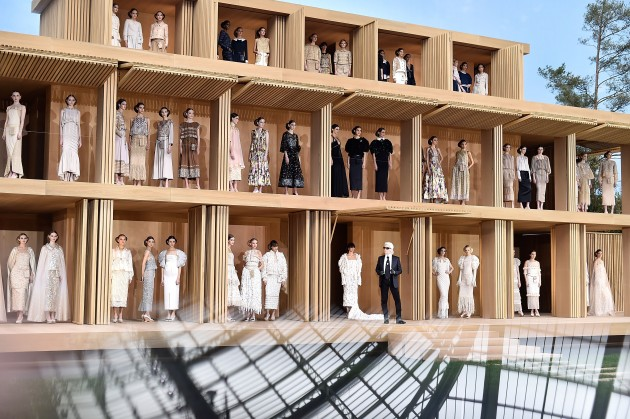 Alternative Views : Paris Fashion Week - Menswear Fall/Winter 2016/2017
