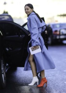 The mismatched shoe trend