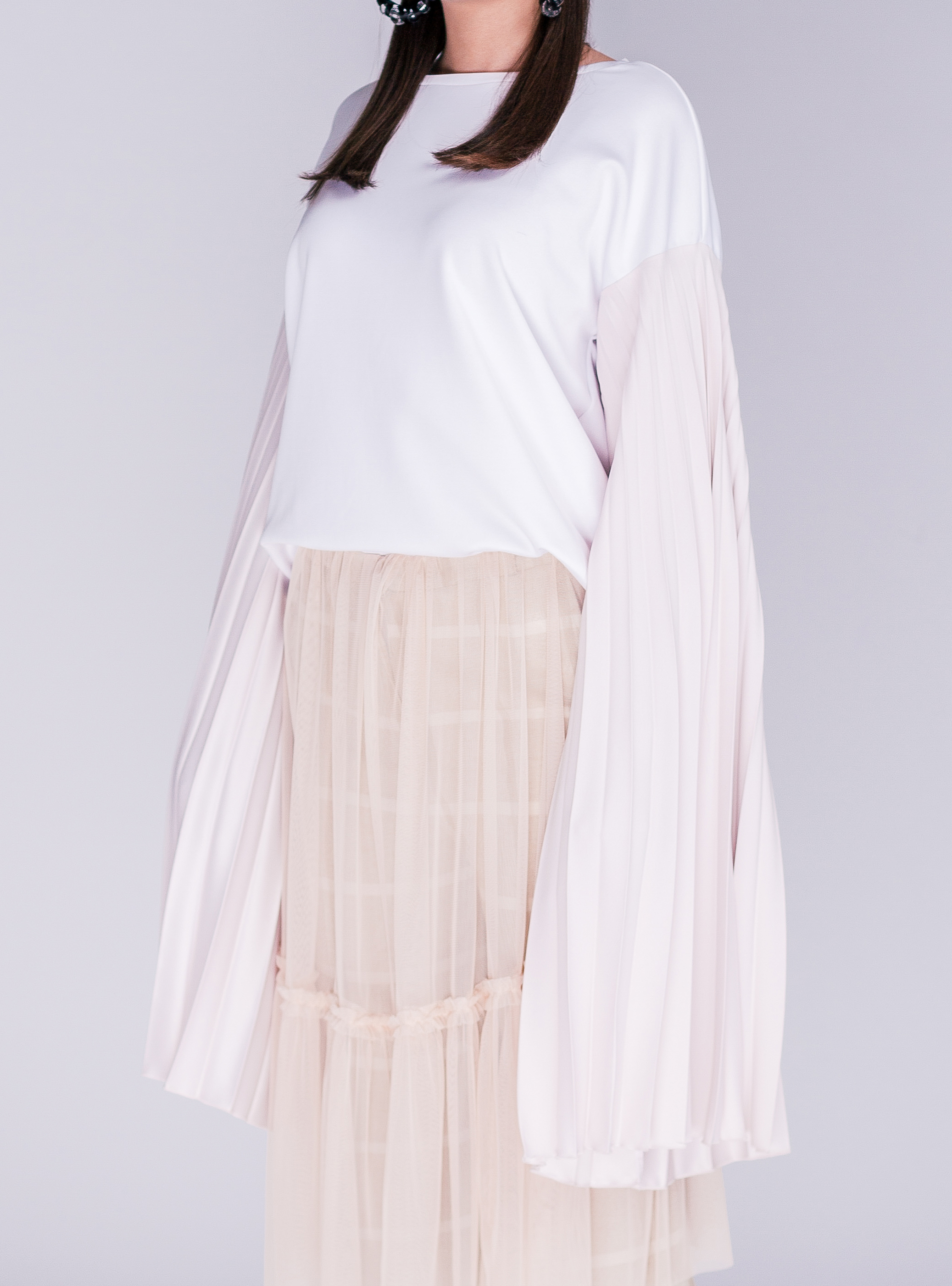 THE PLEATED SLEEVE TOP